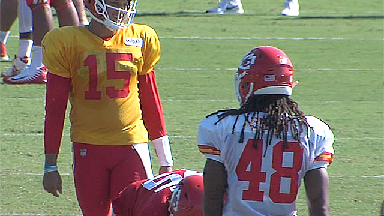Love at first sight? Mahomes, Watkins hit it off early in Training Camp