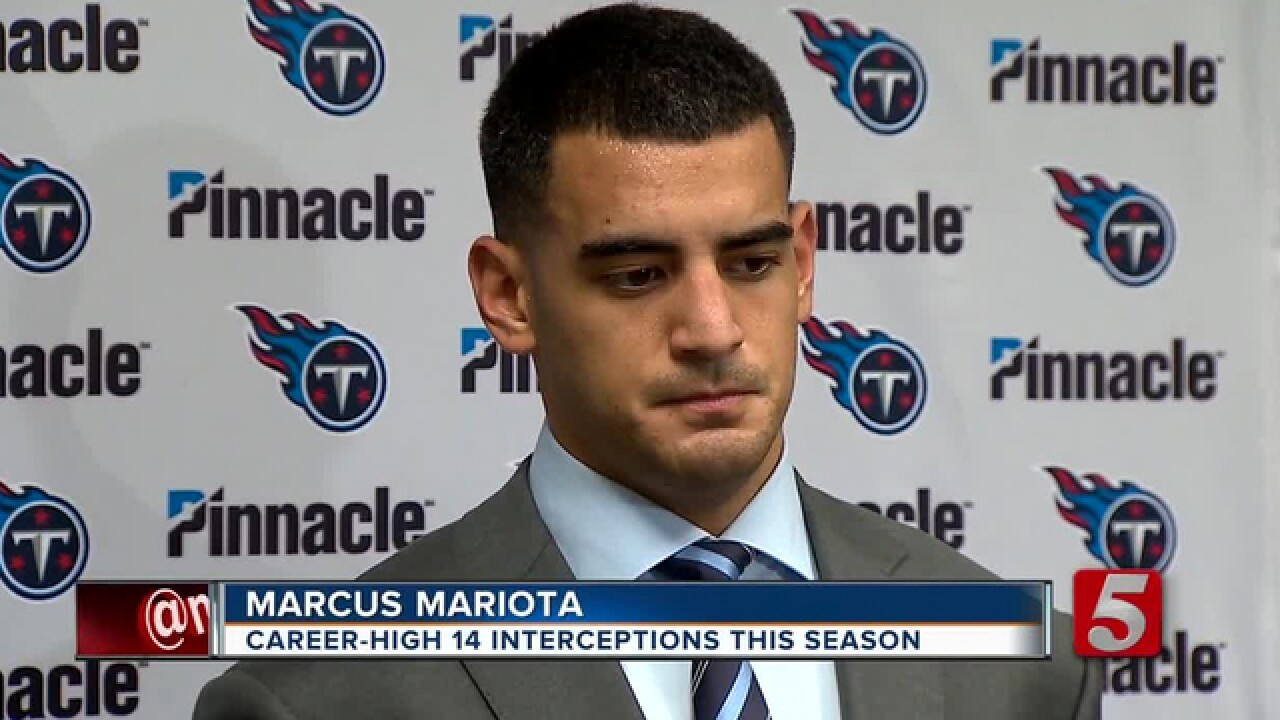 Mariota's Struggles Start With Injury, Raise Questions