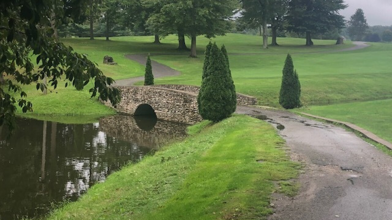 Green council delays vote to buy golf course