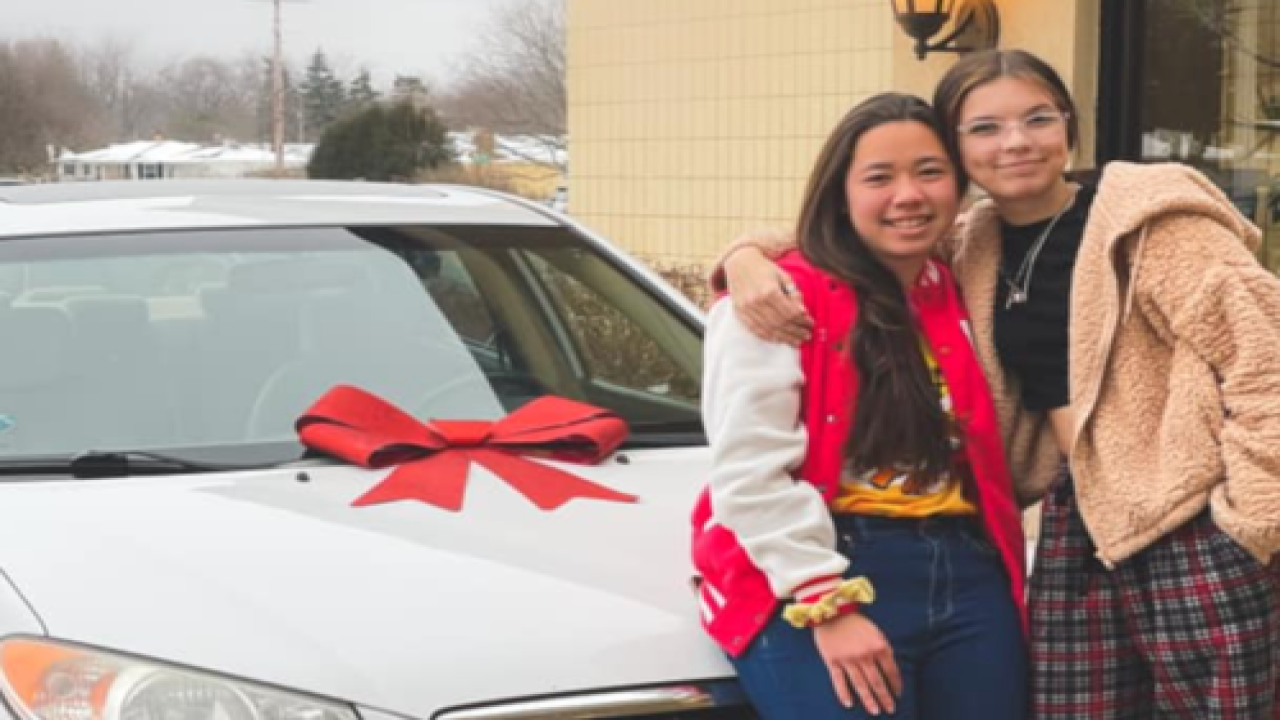 Chick-fil-A Employee Won A Car And Gave It To Her Coworker