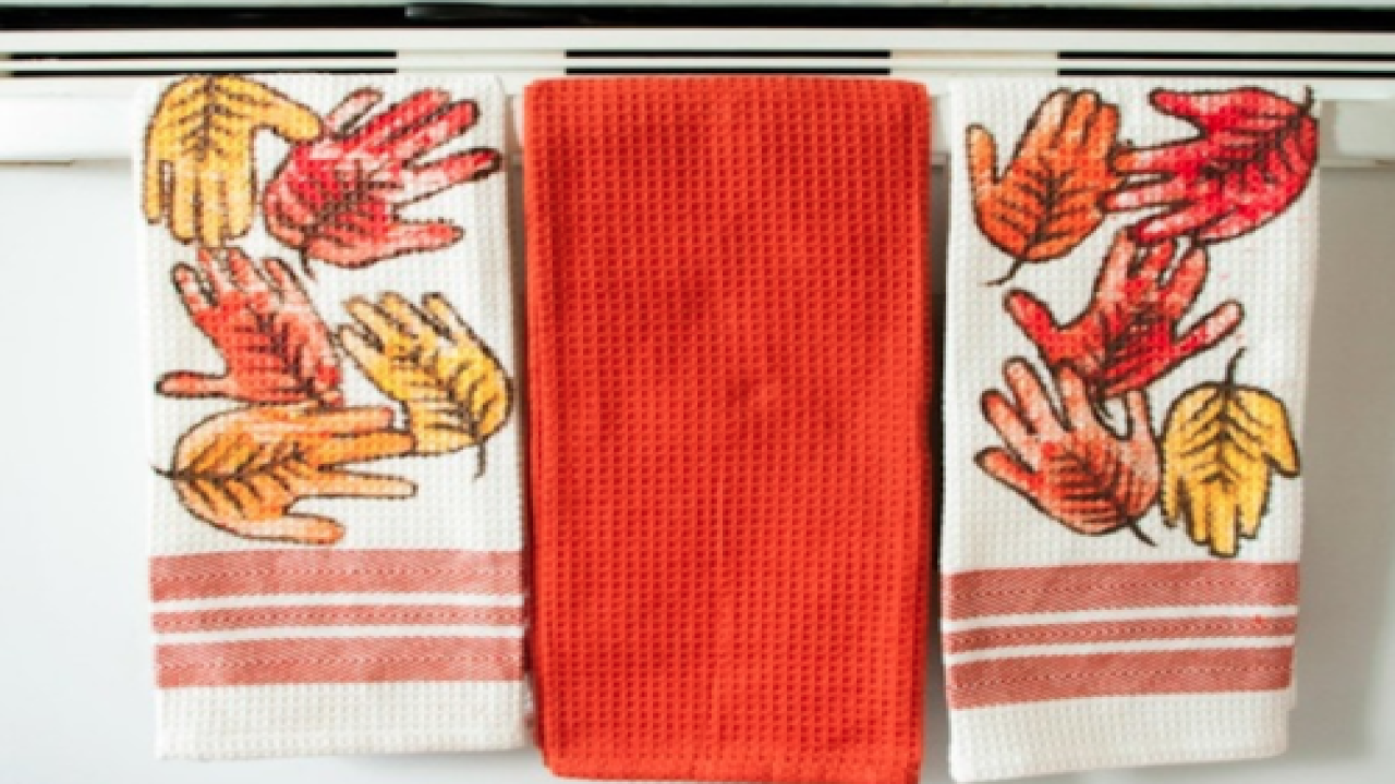 These Handprint Leaf Towels Are An Adorable DIY Craft To Do With Your Kids