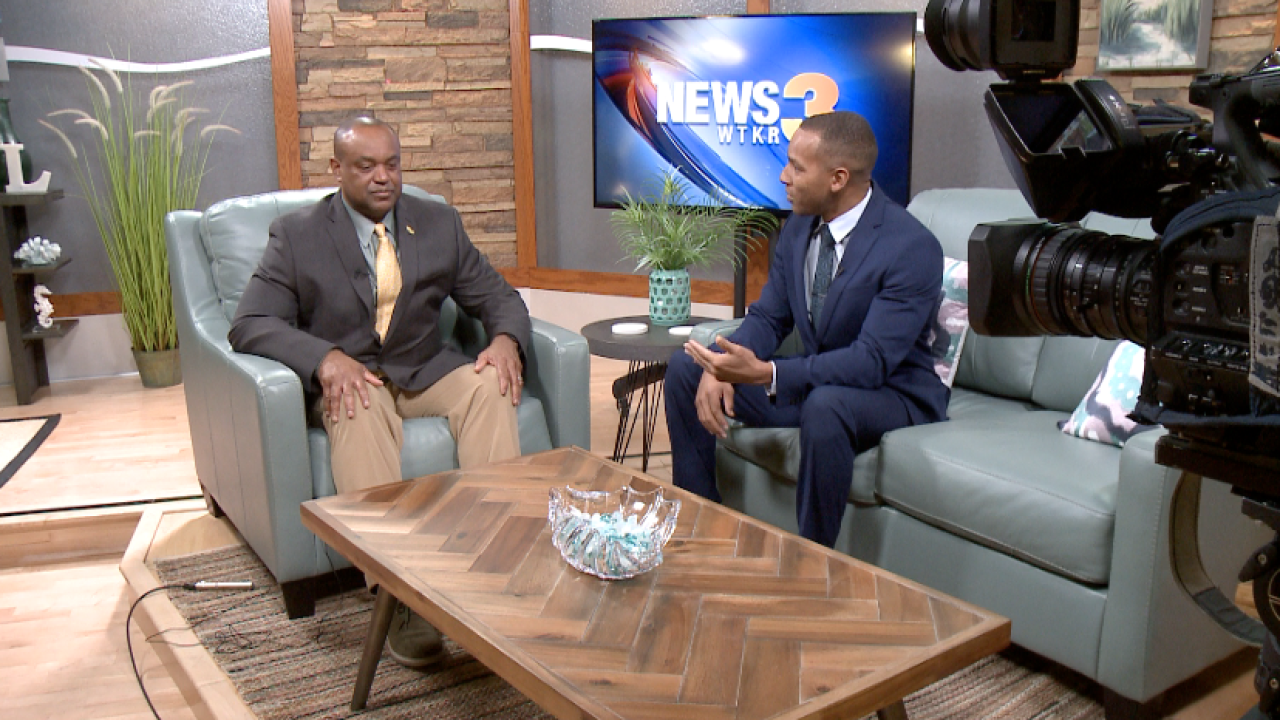 Mike's new mission: Mitch goes 1-on-1 with new William & Mary head football coach MikeLondon