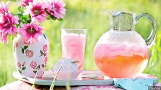 Get rid of headaches and anxiety with lavender lemonade.