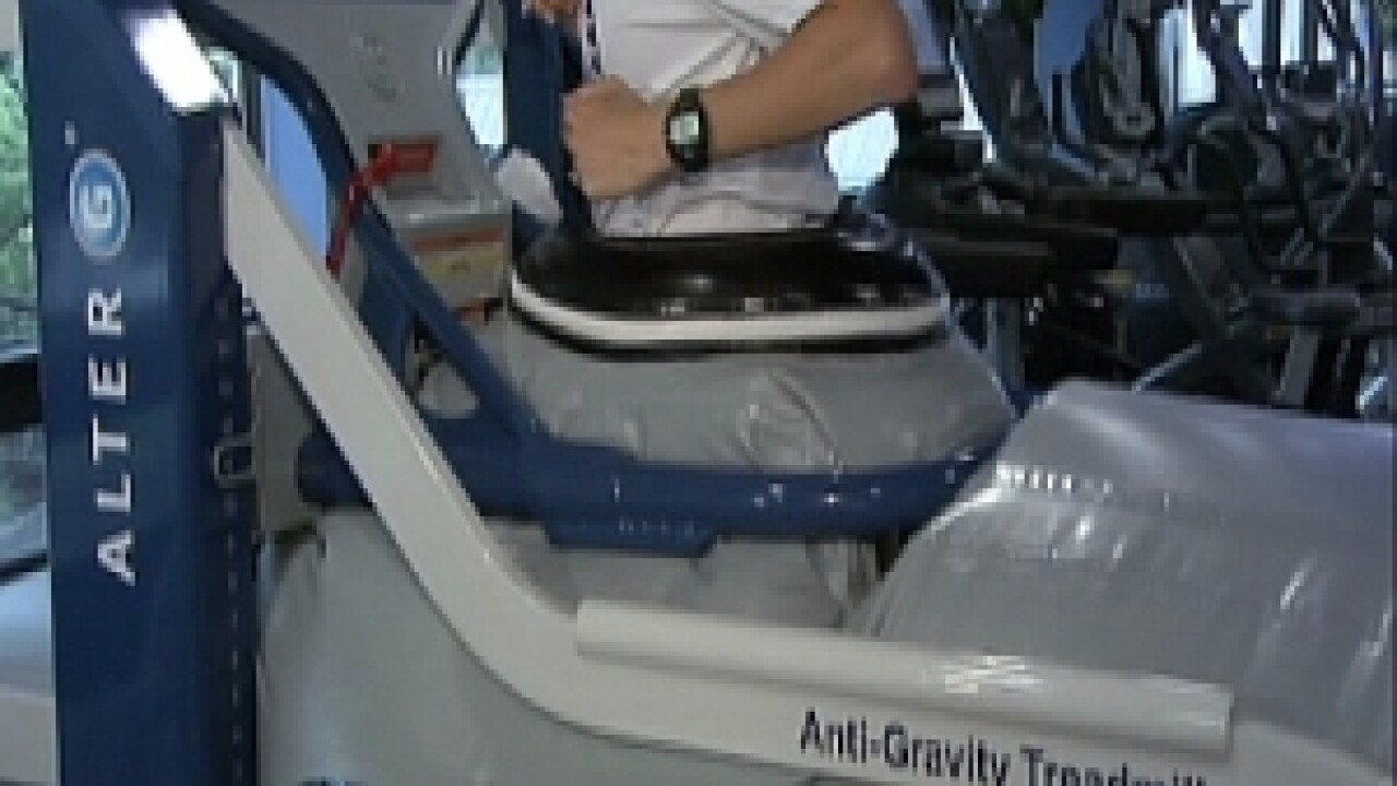 Anti-gravity treadmill helps patients after joint replacement
