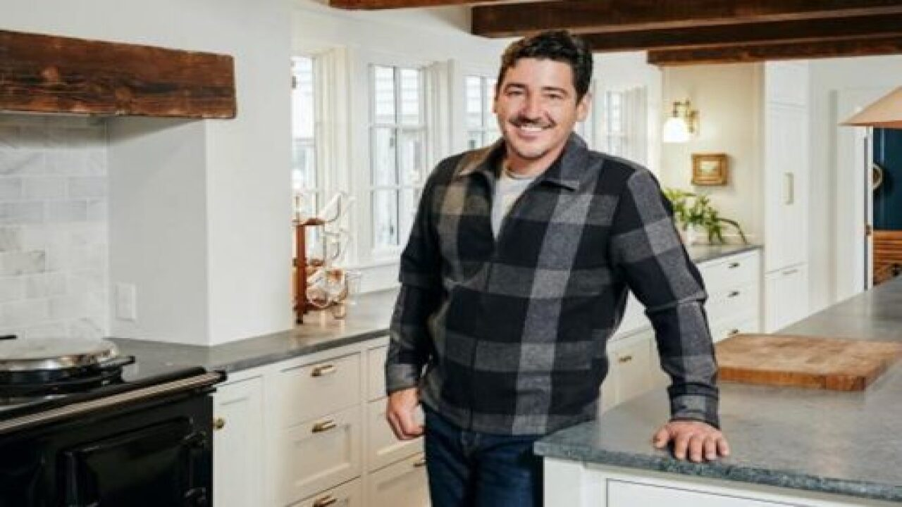 New Kid On The Block Member Jonathan Knight Is Getting His Own Show On HGTV