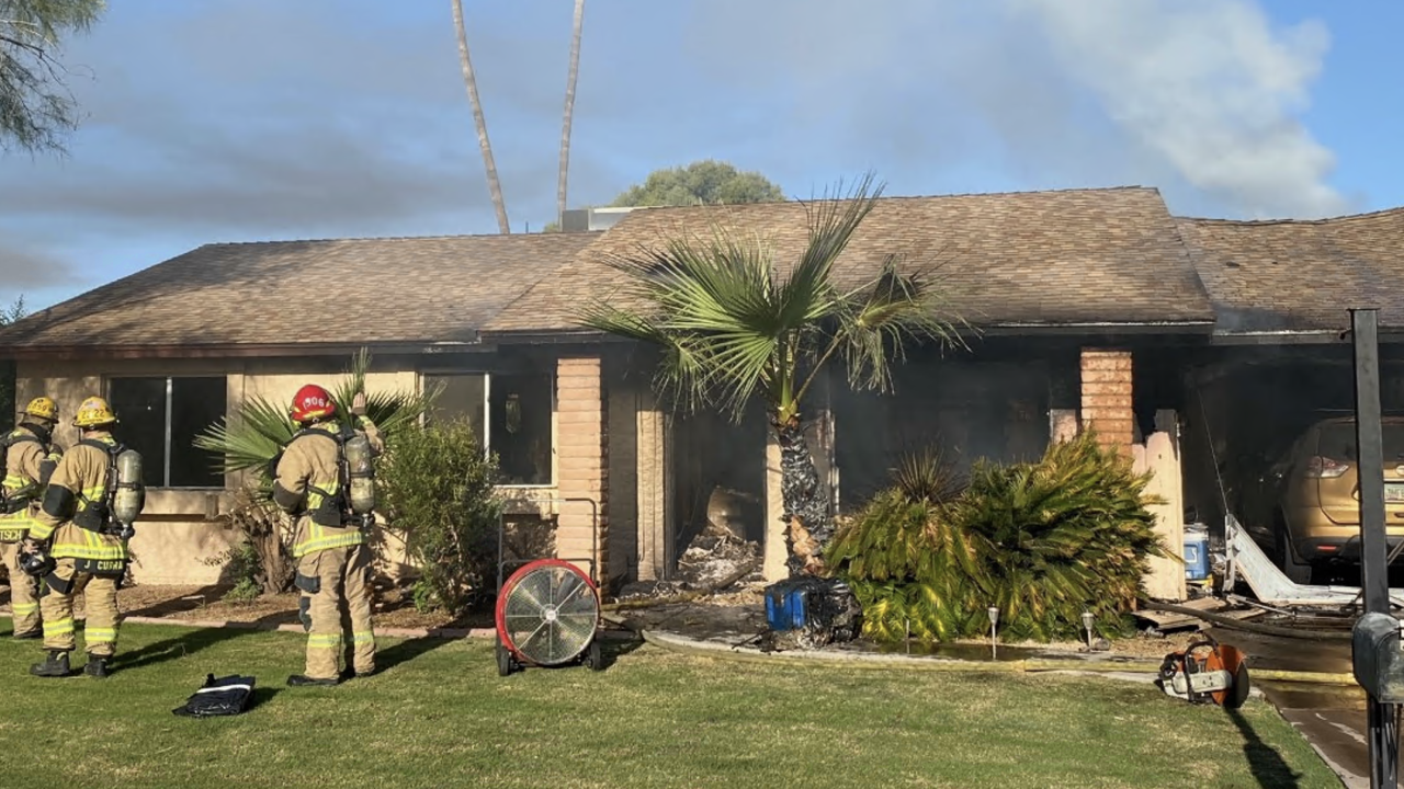 Man found dead in house fire near SR51 and Bell Road