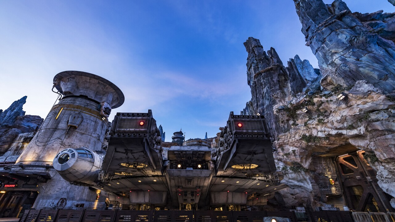 Millennium Falcon: Smugglers Run in Star Wars: Galaxy's Edge