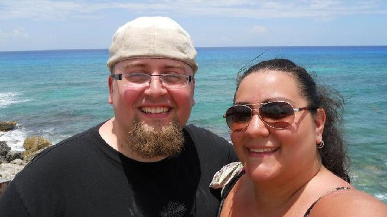 Couple tired of being 'fat,' 'invisible' drops almost 300 pounds in life change