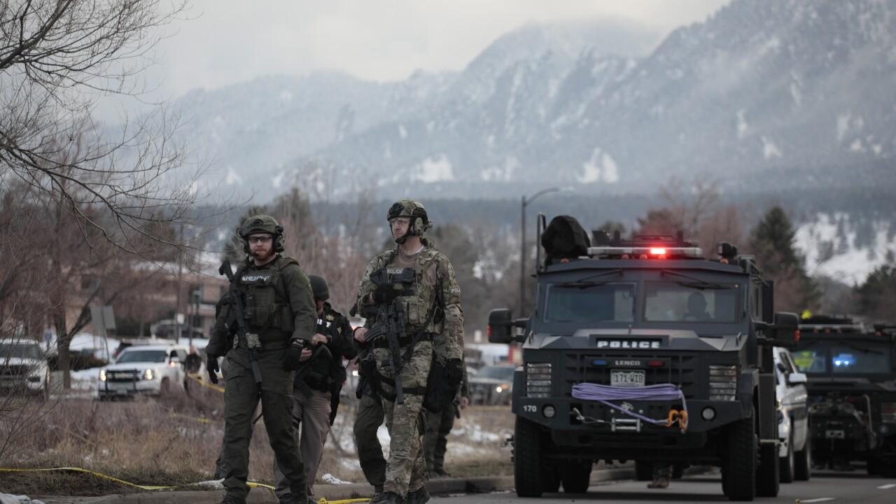 Boulder King Sooper shooting_police w flatirons in bkgd
