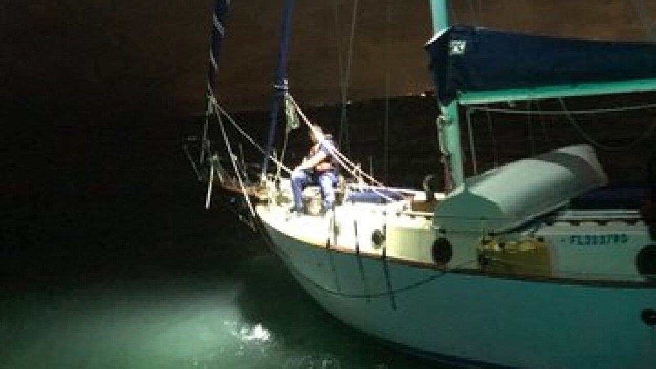 Man rescued from sailboat near Lido Key