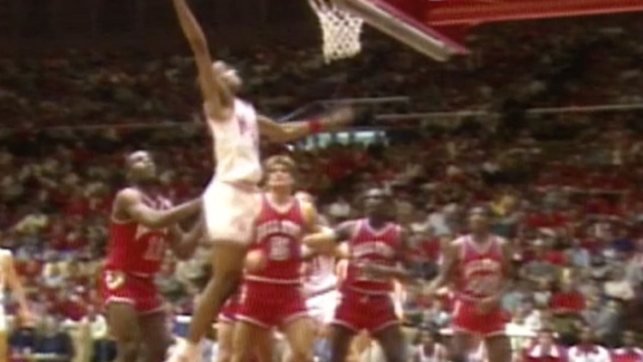 Sports Vault: Ron Harper set high bar at Miami
