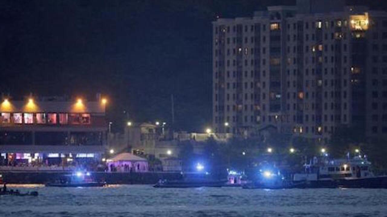 Police: Small plane crashes in Hudson River