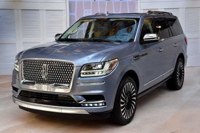 Photo gallery: Lincoln unveils all-new 2018 Navigator
