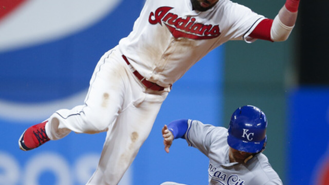 Lendor's bat helps Tribe past Royals