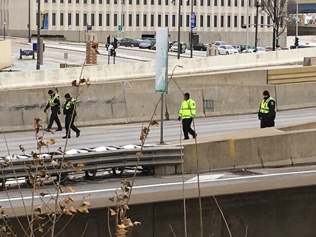 I-43 southbound shut down due to gunfire [PHOTOS]