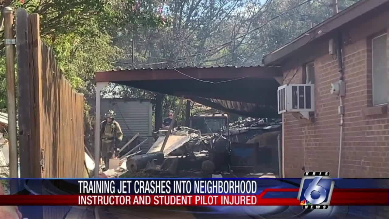 Training jet crashes near Fort Worth