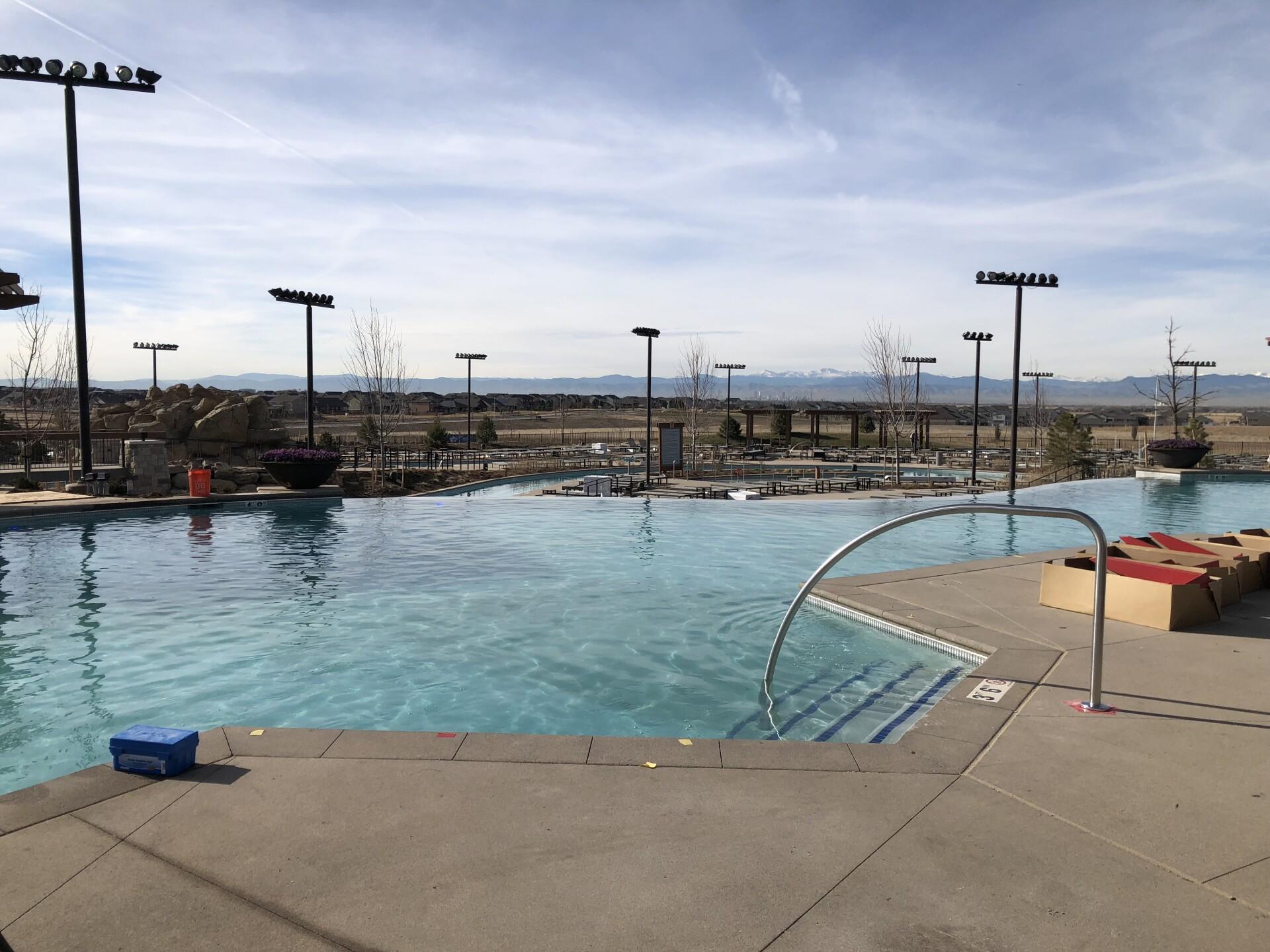 Gaylord Hotel_pool.jpg