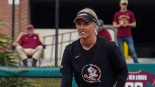 Softball Takes Down Notre Dame, 3-1, In the Series Opener