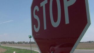 Frankfort police warn of vehicle approaching children at bus stop