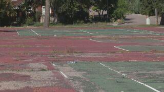 Rundown courts at Boulder Park