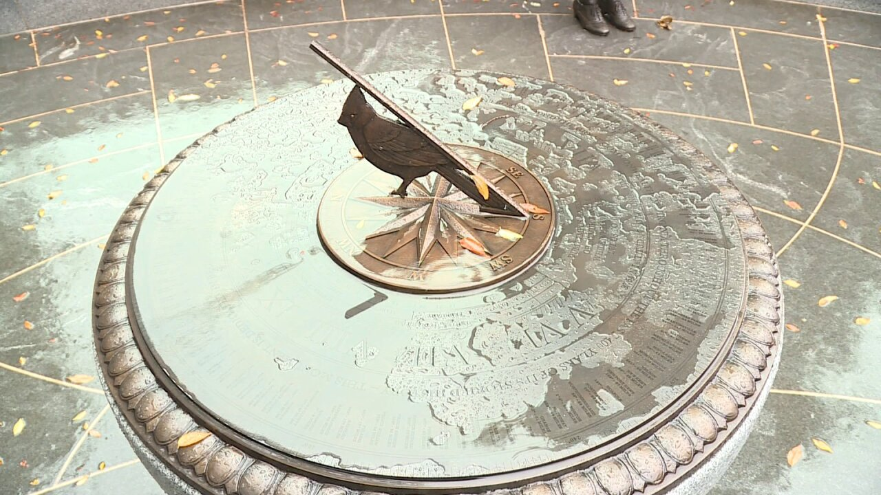 Loudoun misspelled on sundial at new Virginia Women's Monument