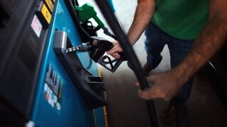 Customers fume during gas station's 99-cent deal
