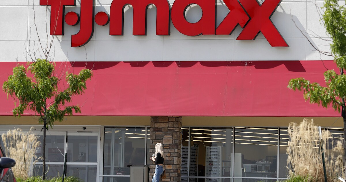 Tj Maxx Marshalls Reopening Stores After Closing Due To Covid 19 Pandemic