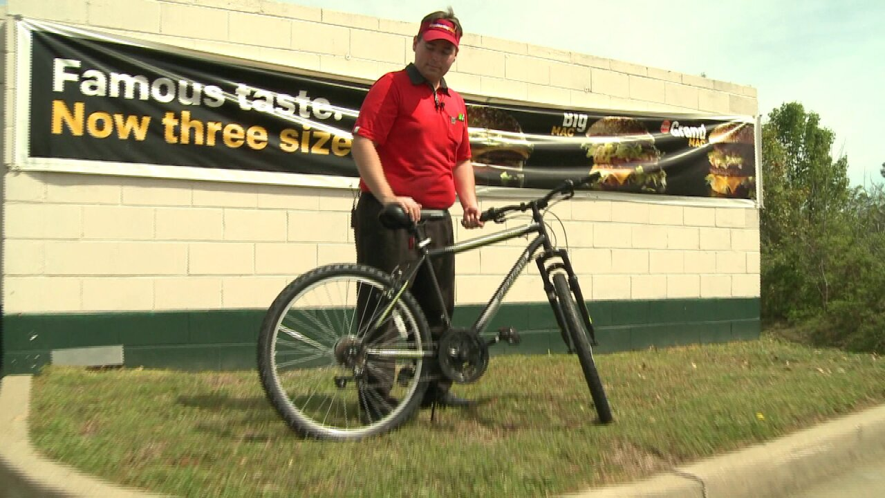 Kind customer surprises dedicated McDonald's worker with newbike