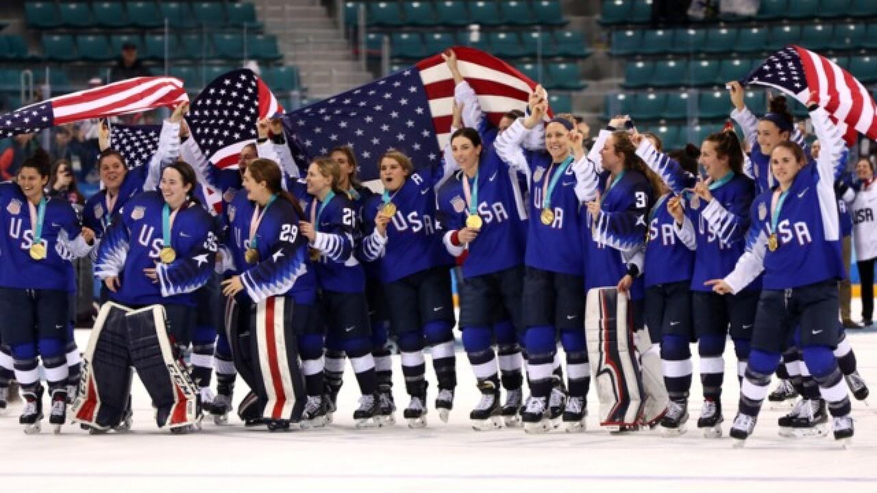 U.S. Women's Hockey Team inspires local athletes