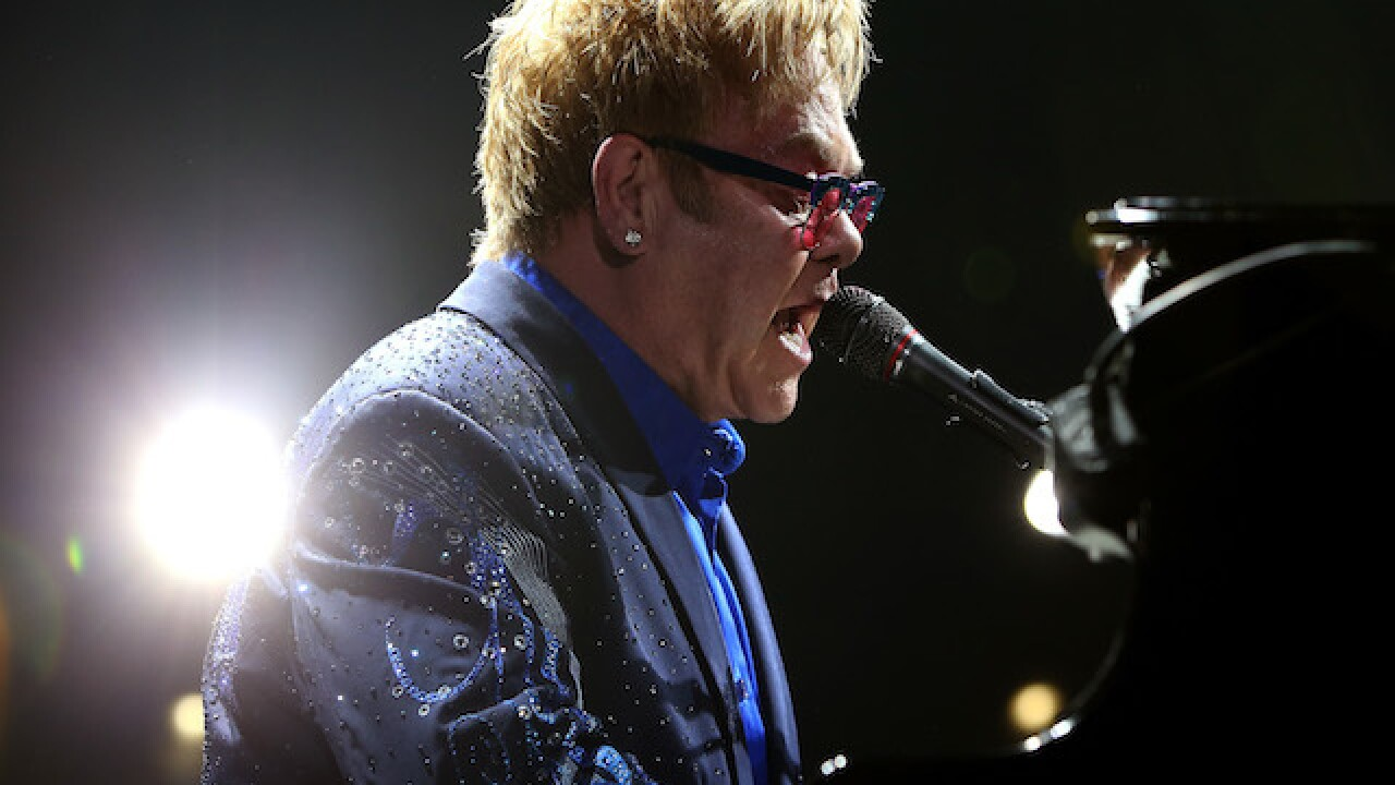 Elton John furiously leaves stage during Las Vegas performance