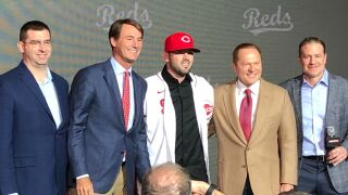 Mike_Moustakas_press_conference_2.jpg