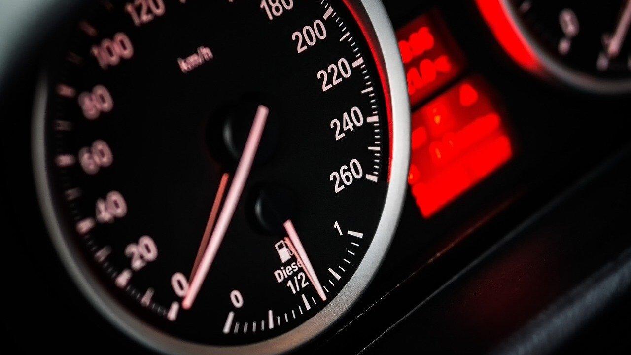 speedometer-1249610_1280.jpg