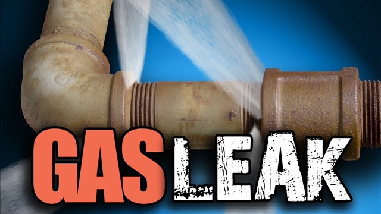 Gas leak forces road closure in Layton