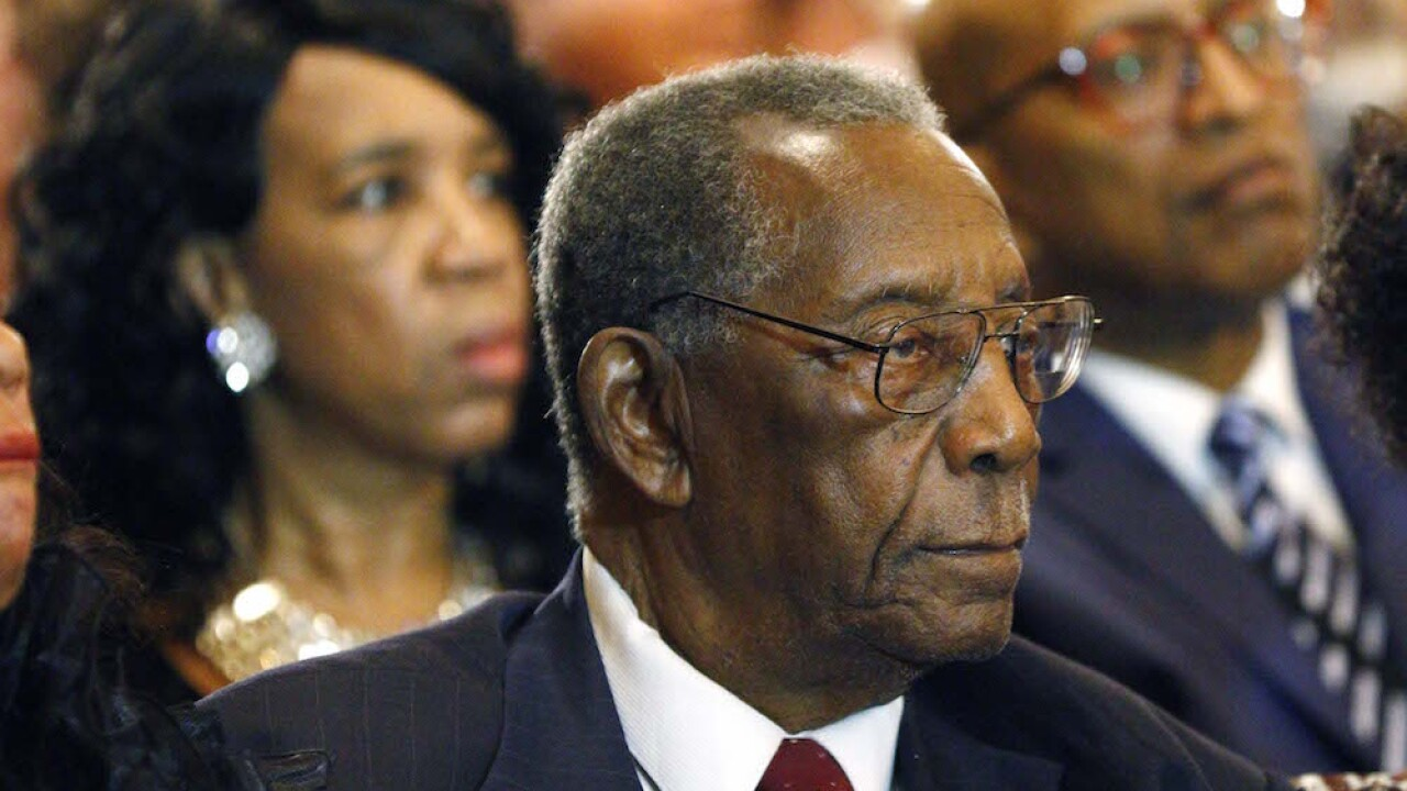 Mississippi politico, civil rights figure Charles Evers dies