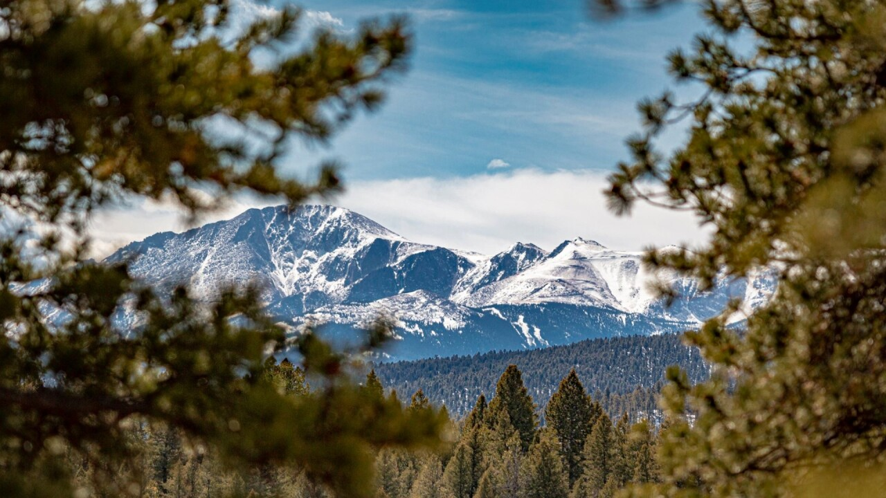 Peaceful Pikes Peak views