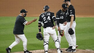 Chicago White Sox manager out against Cleveland Indians, awaiting COVID-19 test results