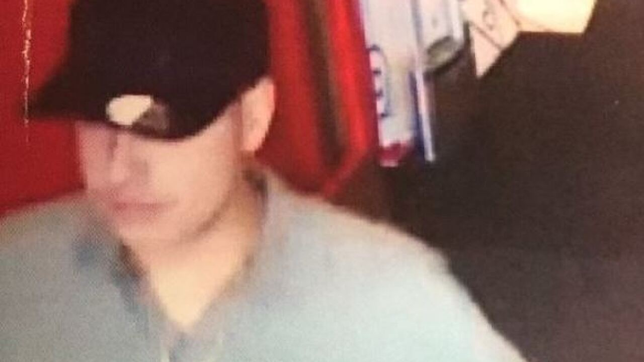 Police look for credit card thieves