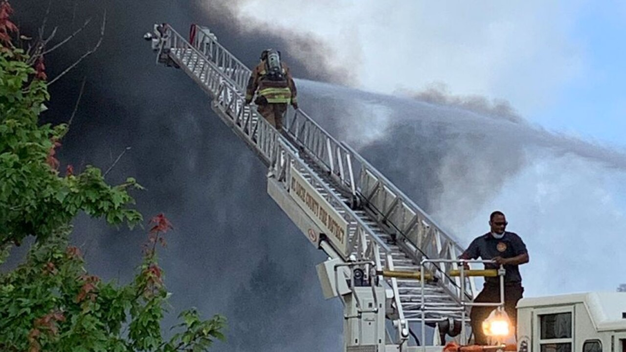 wptv-st-lucie-recycling-plant-fire.-.jpg
