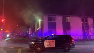 lakeside_apt_fire1_121718.jpg