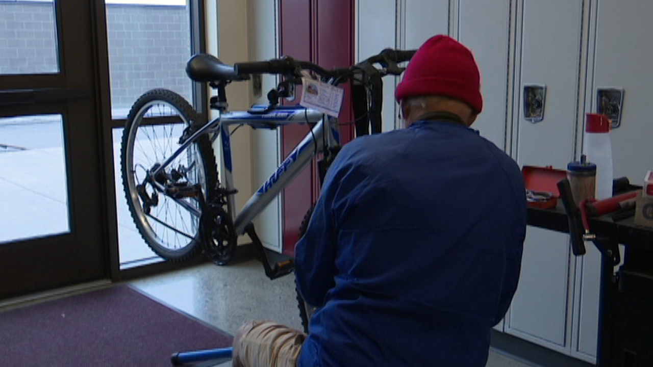 Free bike repair clinic