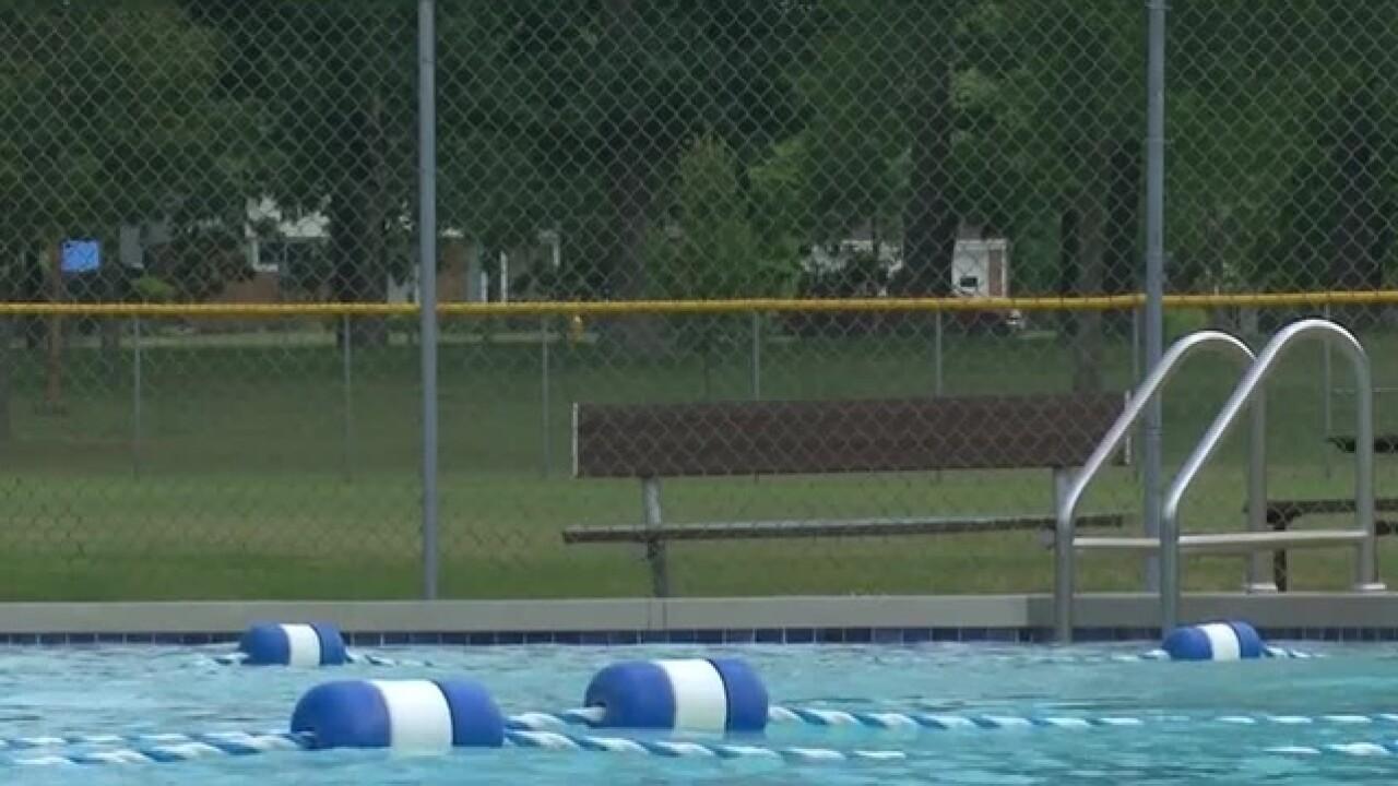 Legion Pool advocates work to save De Pere pool