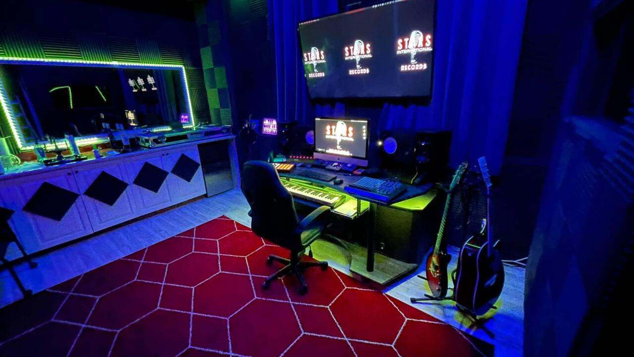Stars International Records, a digital smart studio for emerging artists and DJs