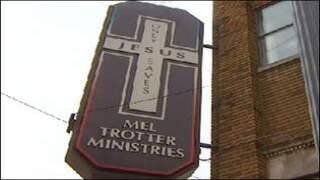 Mel Trotter hands out hundreds of Christmasdinners