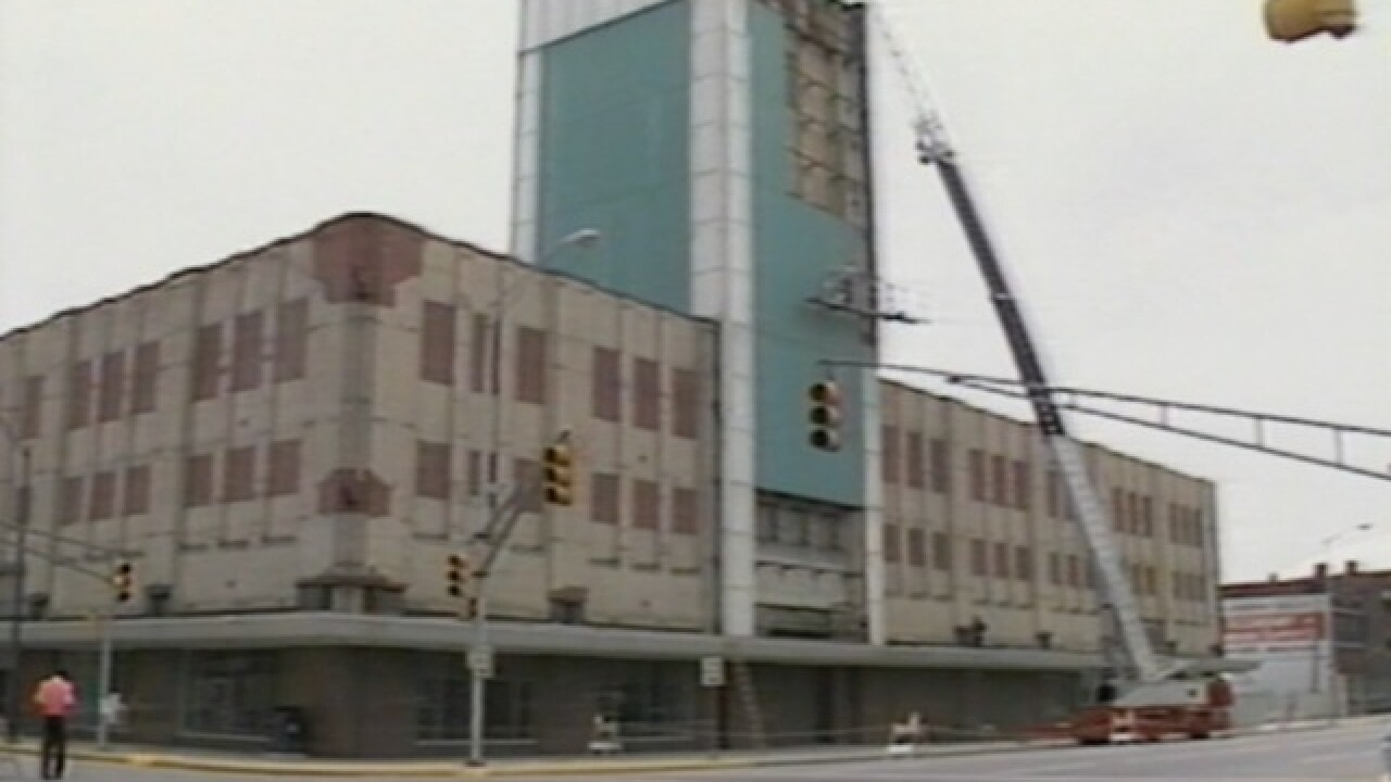 Sears Lawton Ok >> Former Sears Building Stands Tall Decades After Retailer S Departure