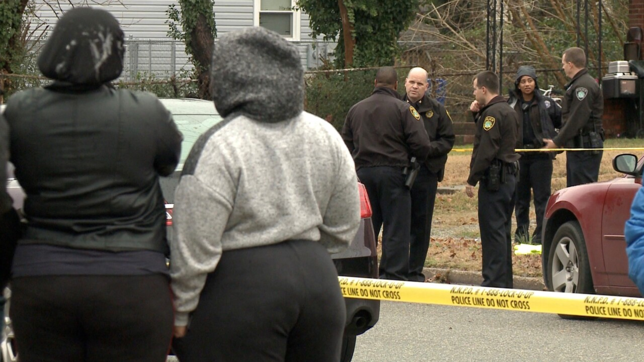 Newport News community finds man dead in crawl space of empty house, police investigate