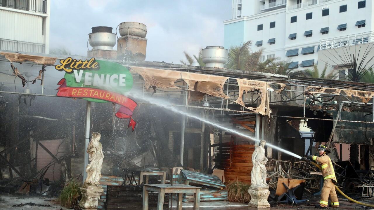 Hollywood Broadwalk fire guts restaurant block