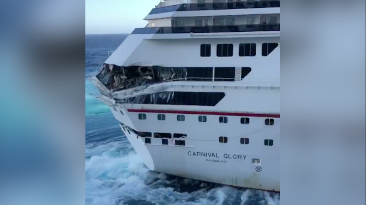 Video shows 2 cruise ships collide in Mexico, one 'minor' injury reported