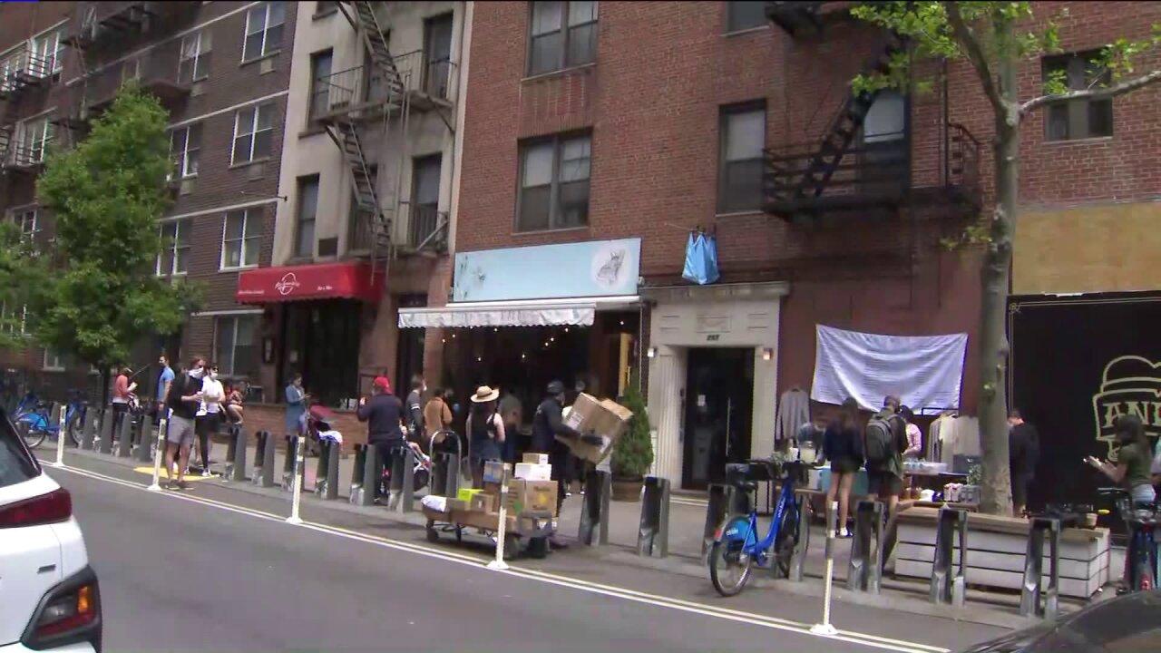 Upper East Side crowding coronavirus