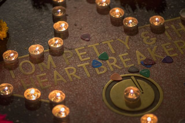 Photo gallery: Fans mourn Tom Petty at Hollywood Walk of FAme