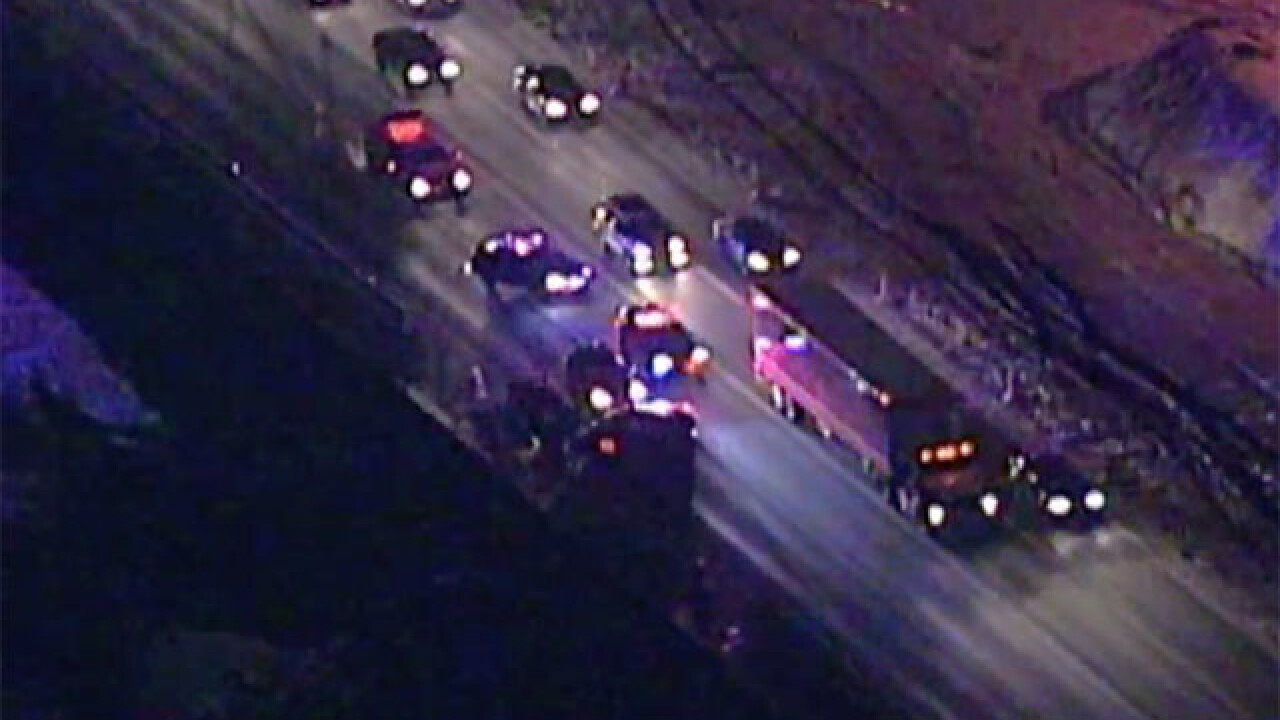 3-car crash on I-480 westbound before the Valley View bridge